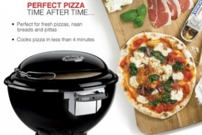 How to use the Weber Pizza Oven - Review & Demo